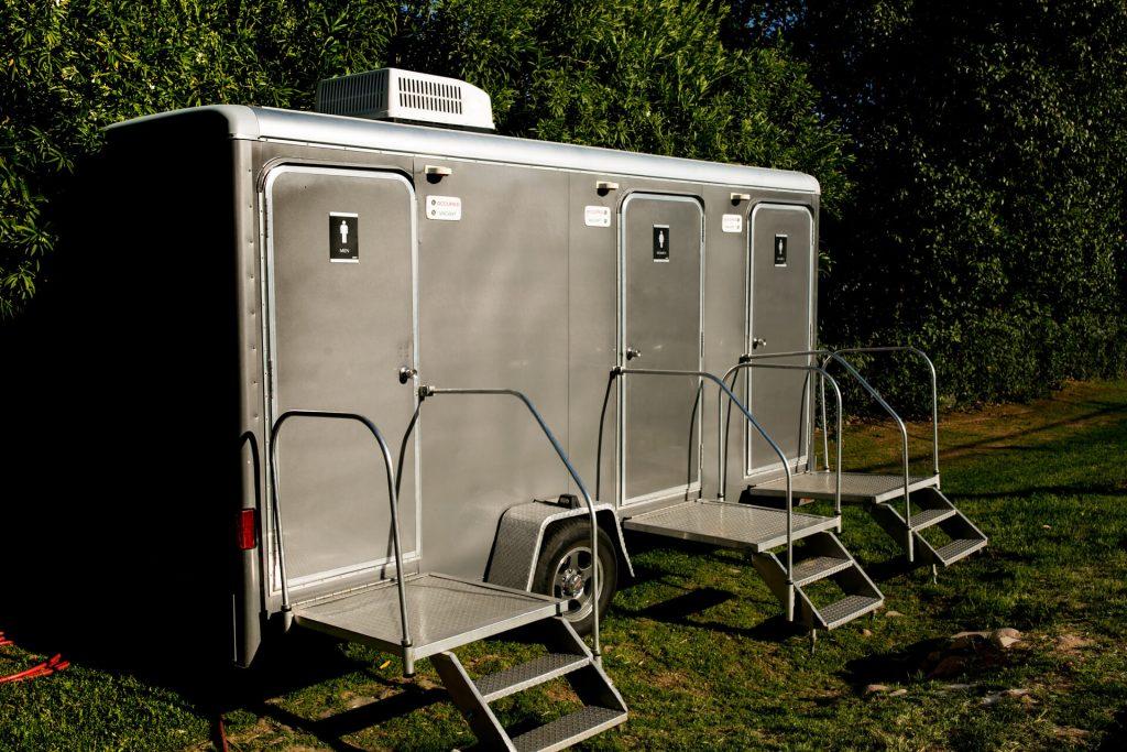 Flushable Portable Restrooms In Dallas
